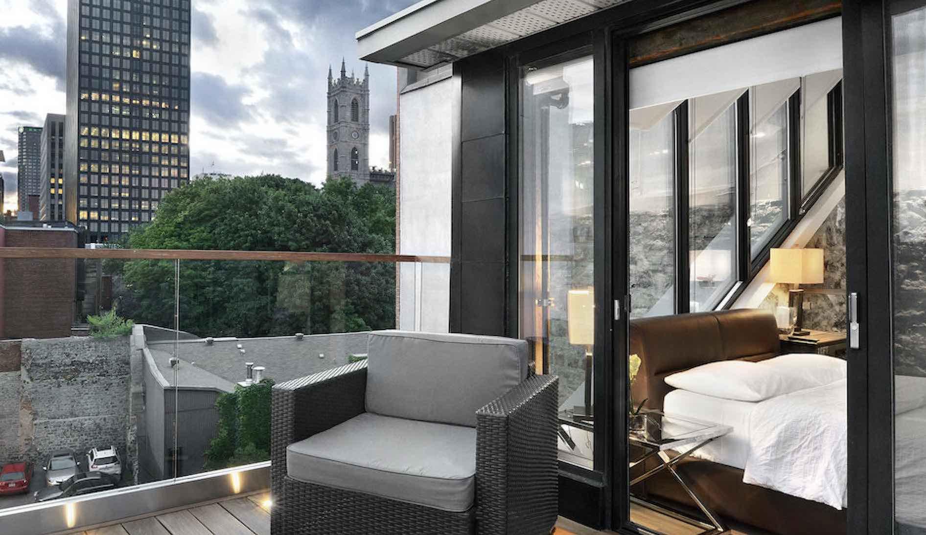 Hôtel Épik Montréal boutique hotels in Montreal terrace with views over city