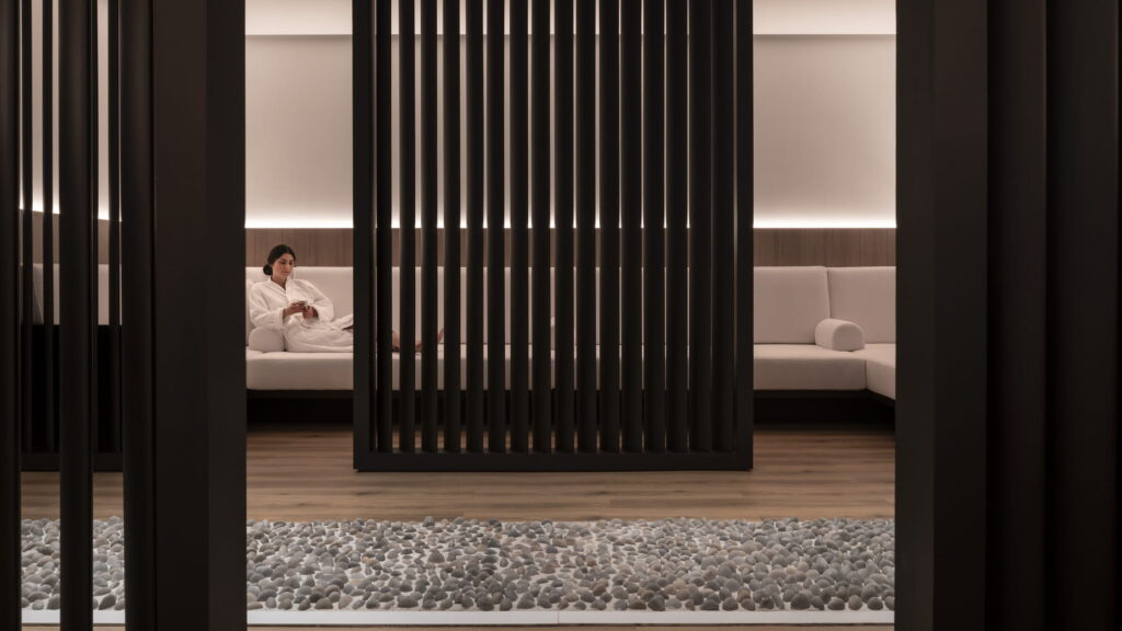 Four Seasons Hotel Montreal luxury spa hotels in Montreal