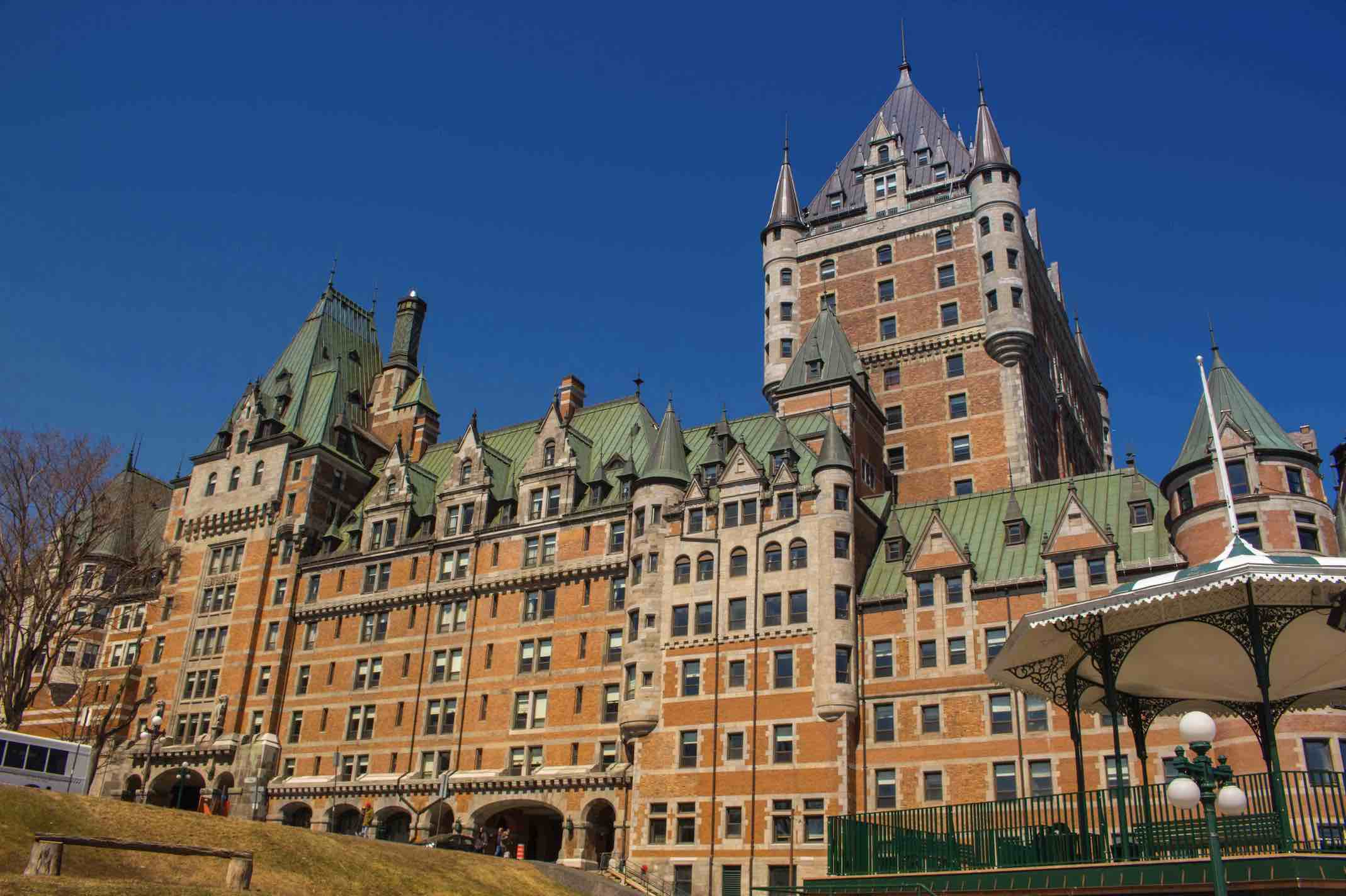 shawn-lee--unsplash Fairmont Le Château Frontenac exterior top things to do in Old Quebec City