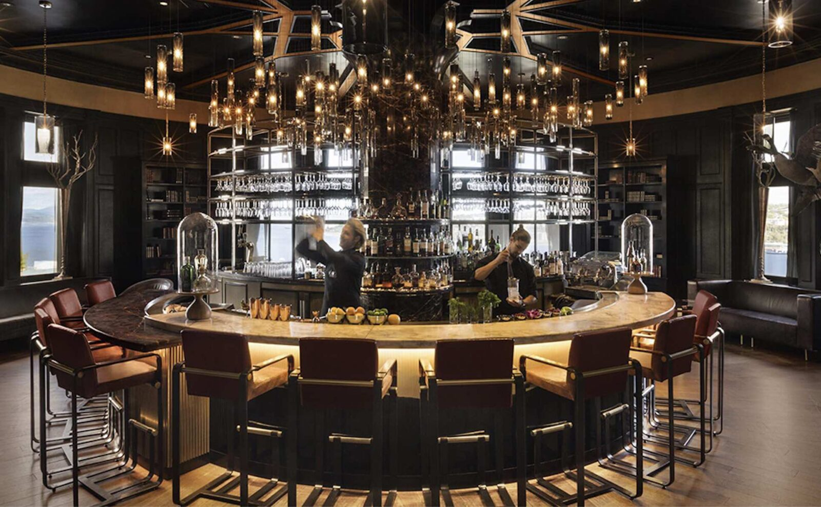 Fairmont Chateux Frontenac 1680 Bar with mixologists top Quebec City hotel bars